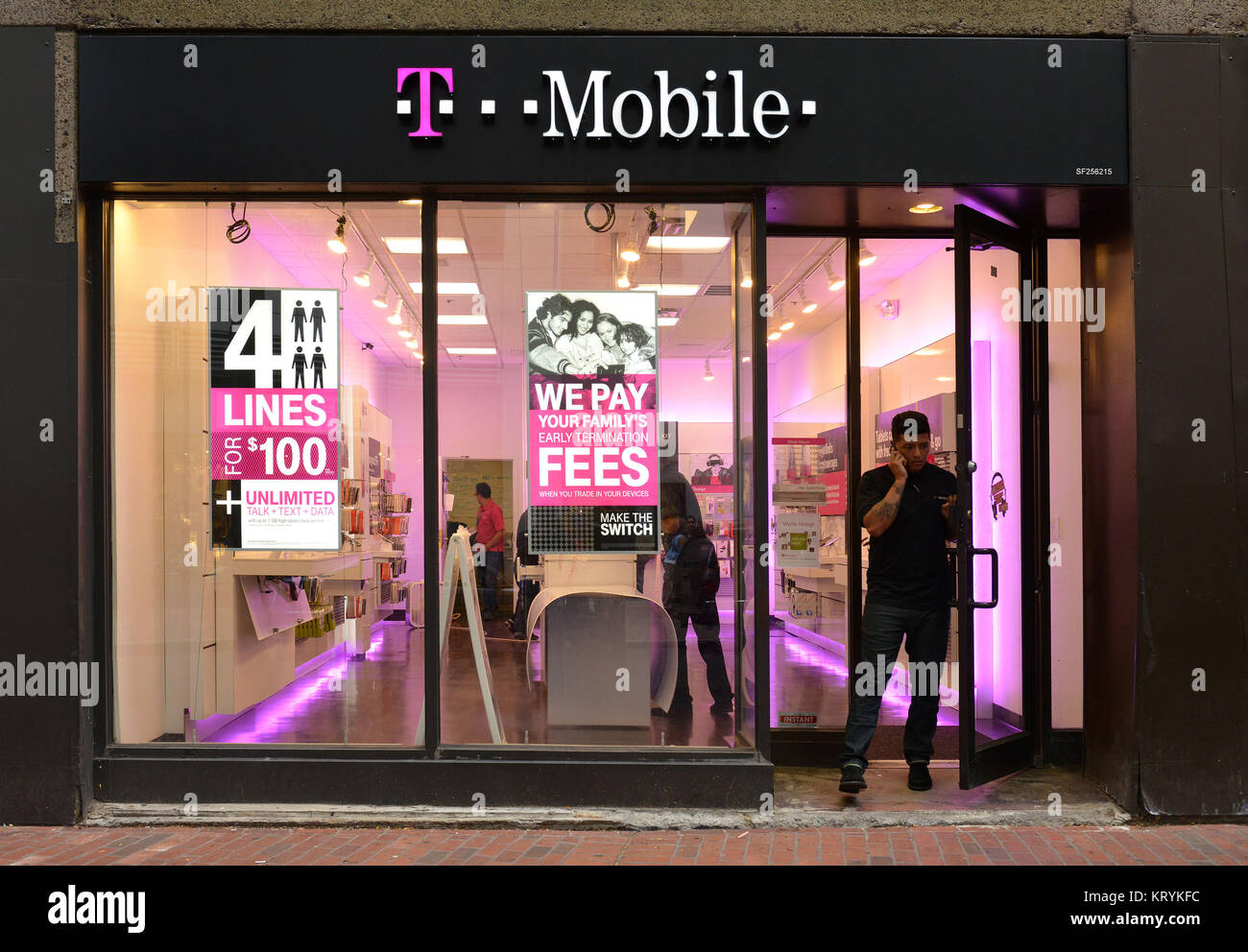 T Mobile Shop Berlin Geschaeft Laden Shop Stock Photos Geschaeft Laden Shop Stock