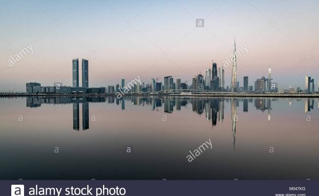 Dubai Uae 19th Jan 2018 Clear Weather On Dubai At Sunrise With 16 Stock Photo 172197524 Alamy