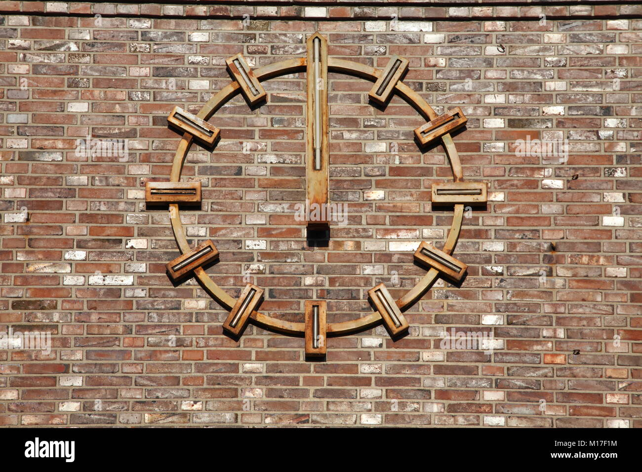 Goldene Uhr Stock Photos Goldene Uhr Stock Images Alamy Goldene Stock Photos And Goldene Stock Images Alamy
