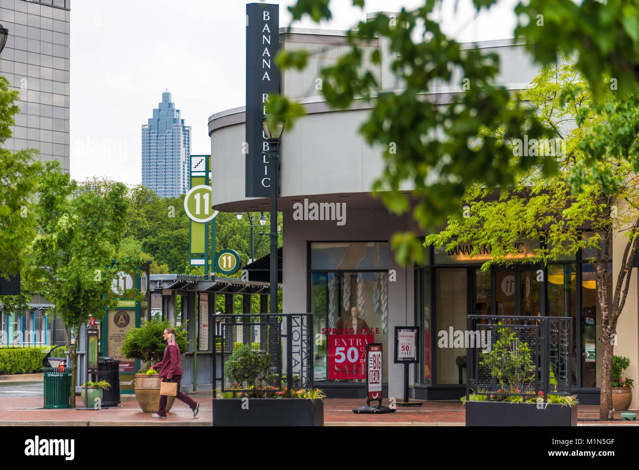 Atlanta Station Restaurants Upscale Neighborhood Stock Photos And Upscale Neighborhood