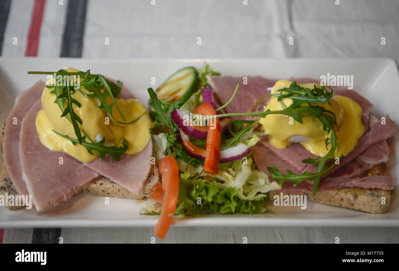 Cuisine Royale Eat Food Delicious Cooked And Served Eggs Benedict Or Eggs Royale With