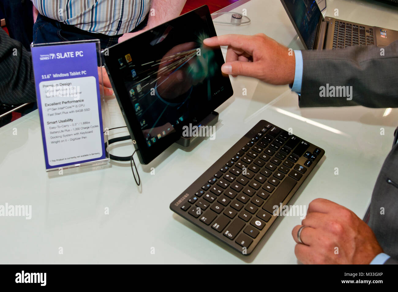 Der Tablet 6 Windows Tablet Pc Stock Photos 6 Windows Tablet Pc Stock