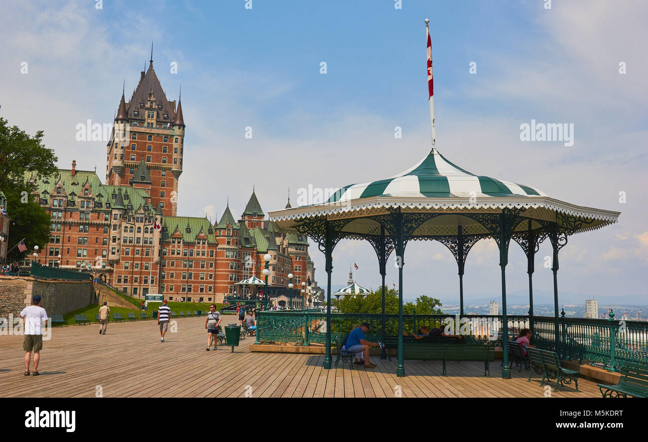 Terrasse Dufferin Chateau Frontenac Terrasse Dufferin Quebec Stock Photos