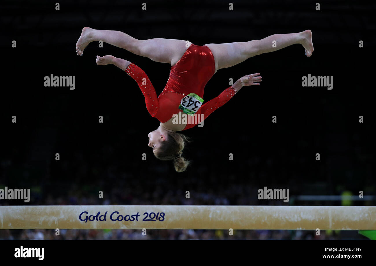 Balance Beam Australia England S Alice Kinsella On The Balance Beam On Her Way To Getting