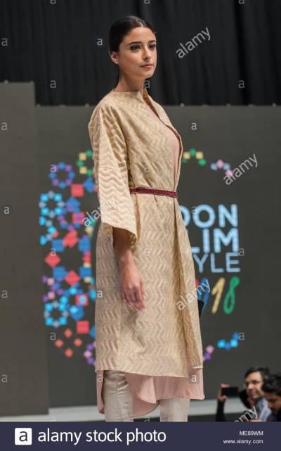 Muslim Fashion Show Stock Photos & Muslim Fashion Show ...