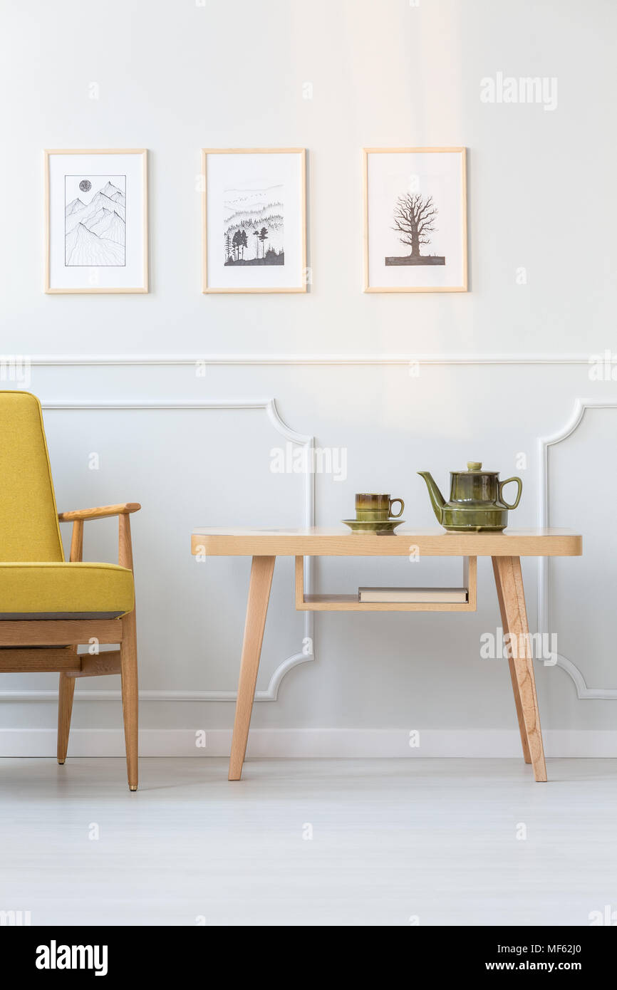 Seats En Sofa Heerlen Vintage Posters Room Stock Photos Vintage Posters Room Stock