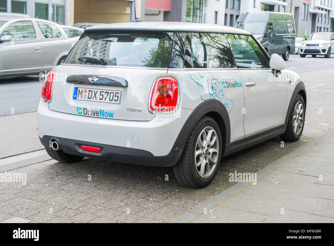 Drivenow Düsseldorf Sixt Rent A Car Stock Photos Sixt Rent A Car Stock Images Alamy