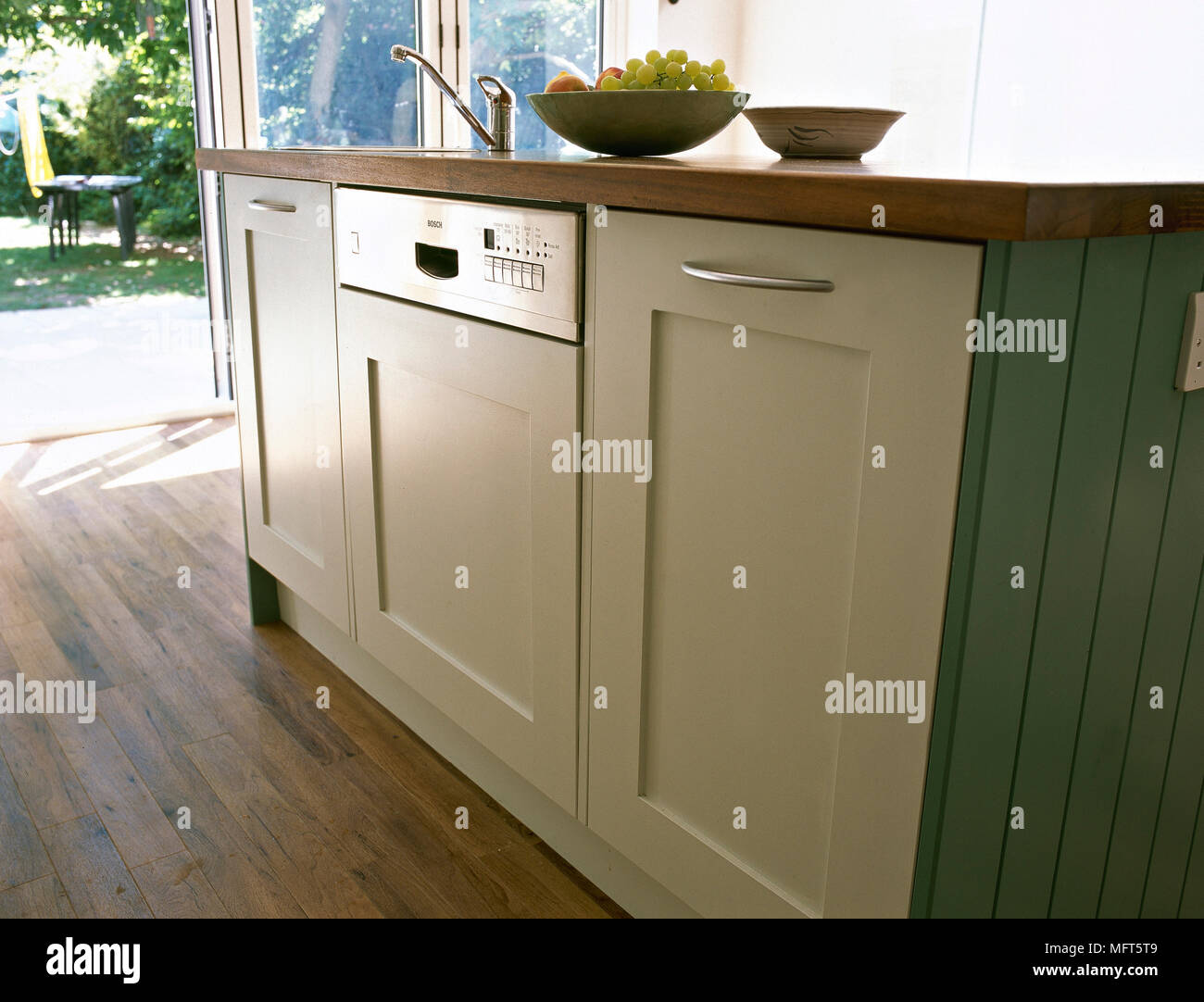 Oven In Island Unit Kitchen Island Unit Stock Photos And Kitchen Island Unit