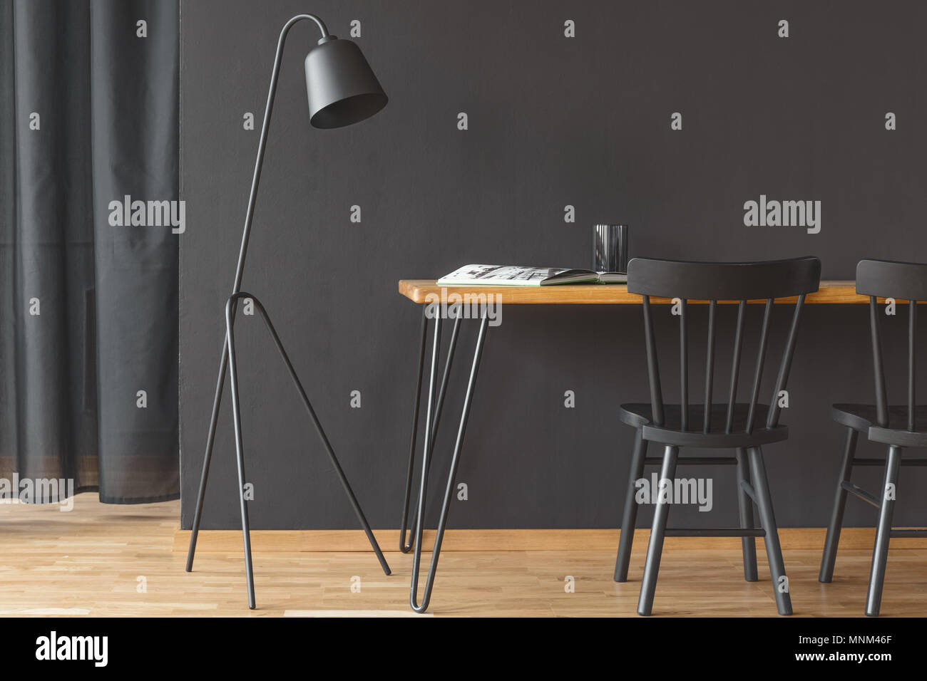 Schreibtisch Design Sale Black Home Office Interior With A Wooden Desk Metal Lamp