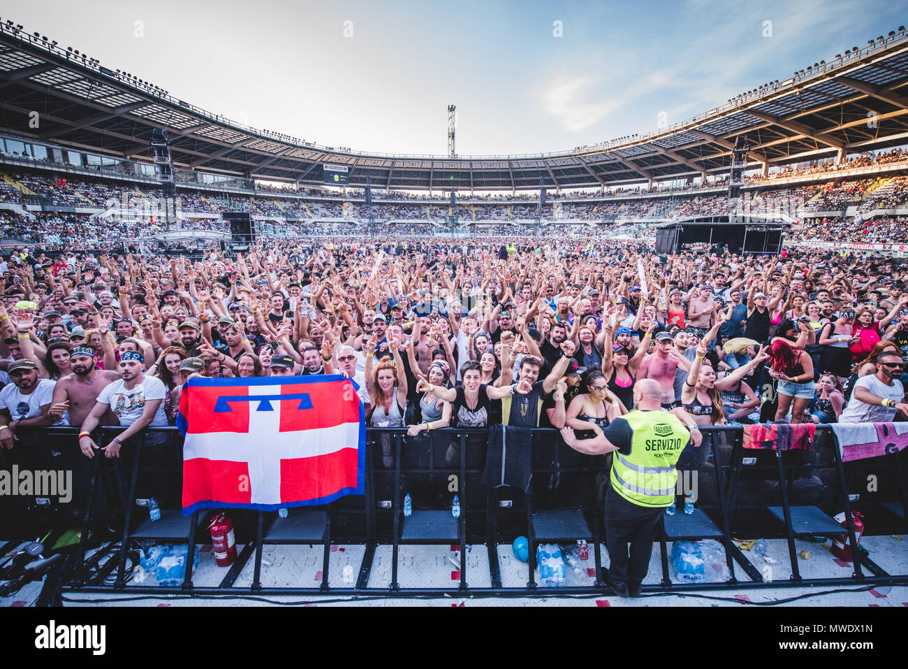 Vasco Date Tour 2015 Vasco Rossi Stock Photos And Vasco Rossi Stock Images Alamy