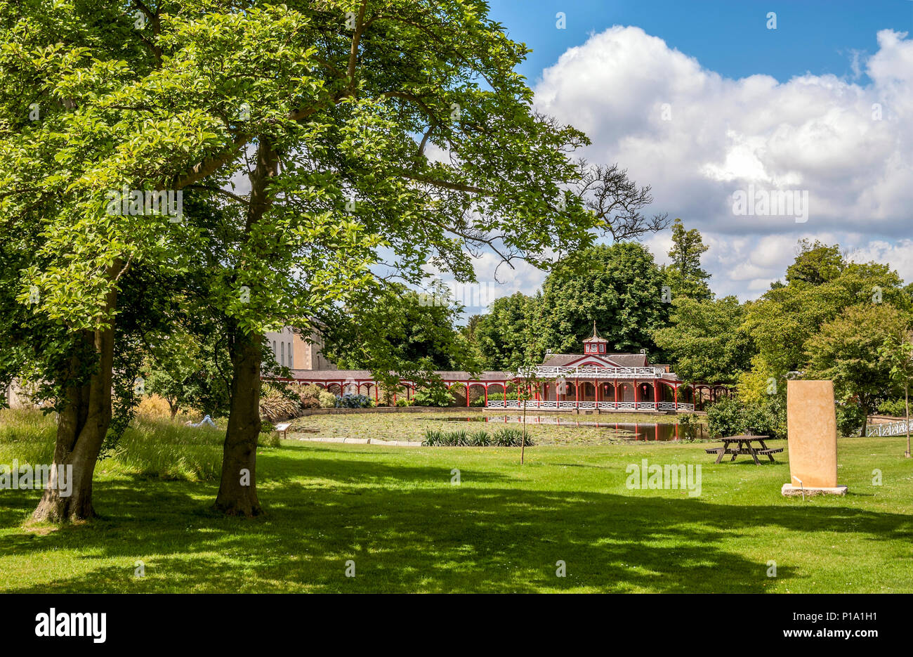 Gartenarchitekt England The Chinese Pond And House At Woburn Abbey And Gardens Near