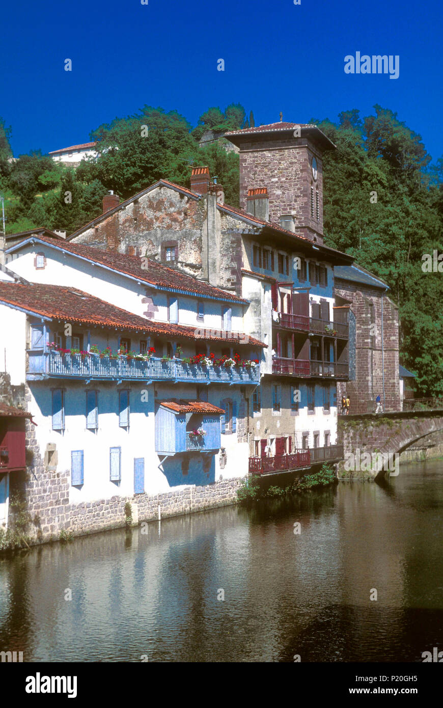 Bayonne Saint Jean Pied De Port France Basque Country Houses On The Edge Of The Nive River In