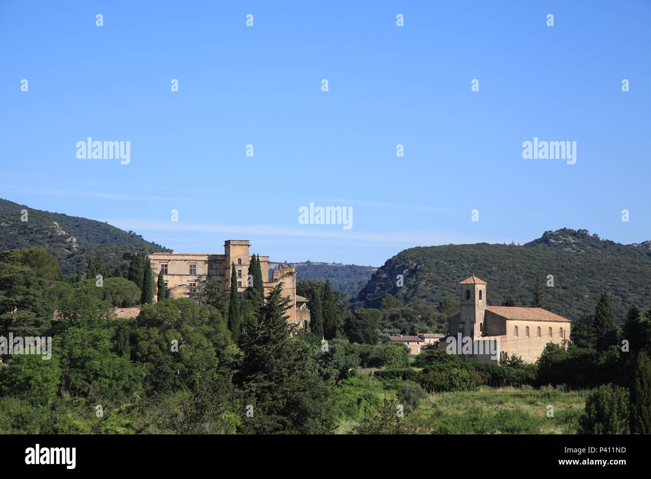 Chambre D'hotes Vaucluse Views Of Lourmarin Vaucluse France Including The Chateau