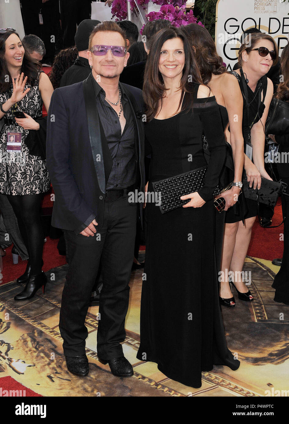 Carpet U2 U2 Bono And Wife 192 At The 2014 Golden Globes Awards At The