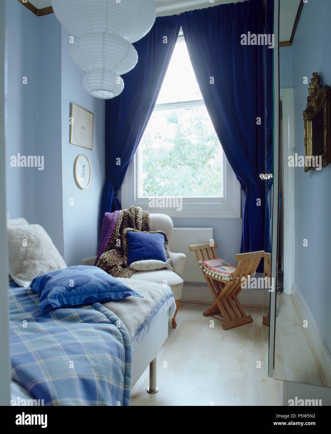 Dark Blue And Grey Curtains Dark Blue Curtains On Window In Narrow Bedroom Withg Single Bed