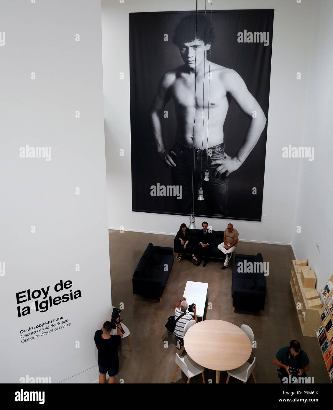 La Arte In Spanish A View Of The Exhibition Eloy De La Iglesia Dark Object Of