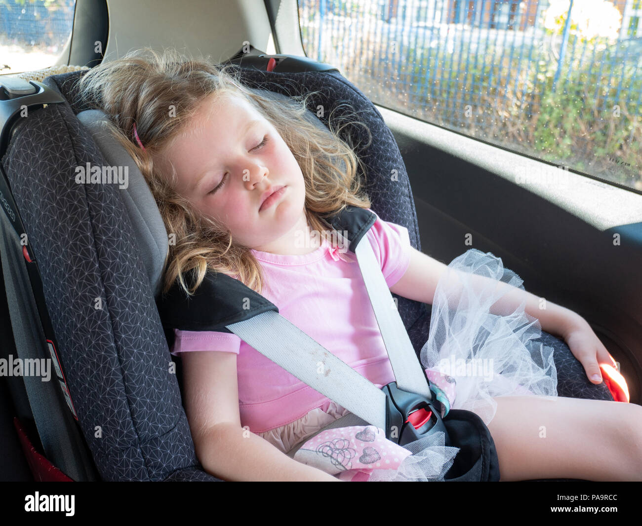 Baby Car Seat Uk Three Year Old Child Sleeping In Her Car Seat Uk Stock