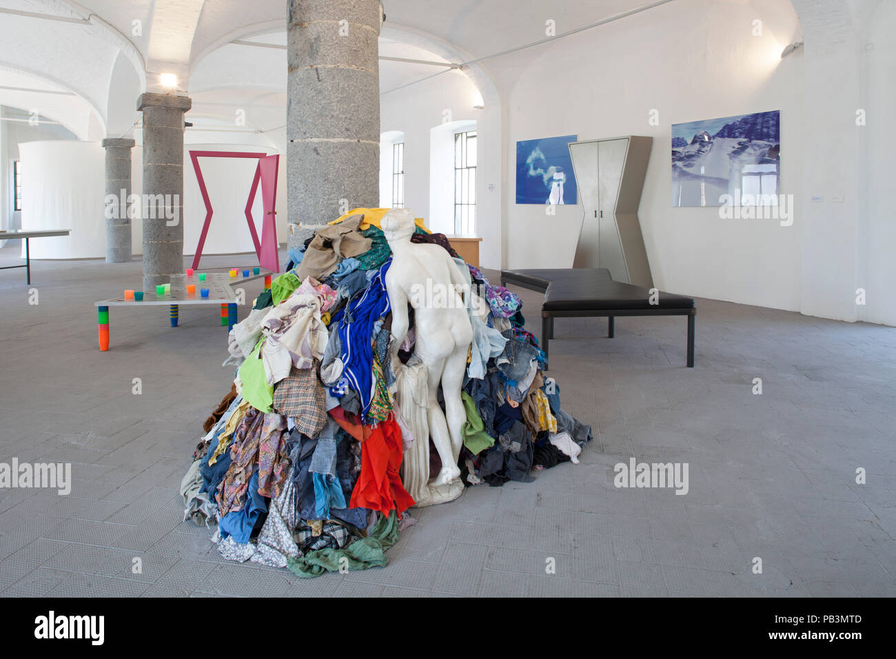 Arte Povera Venus Michelangelo Pistoletto Works Stock Photos Michelangelo