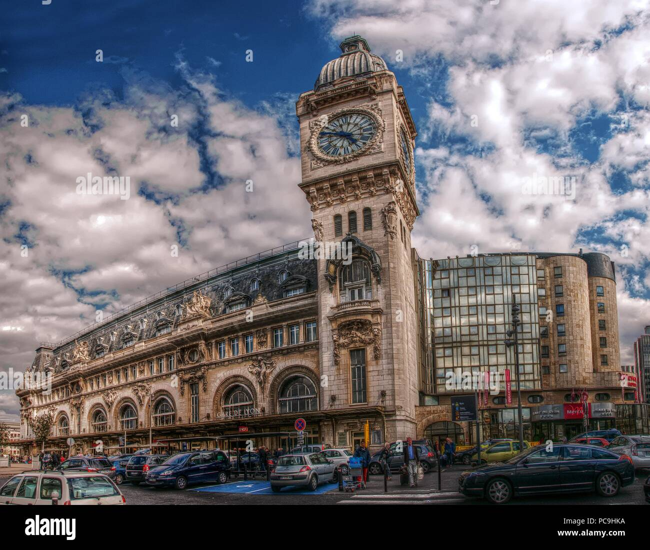 Gare De Paris Gare De Lyon Railway Station In Paris Stock Photo 214111726 Alamy