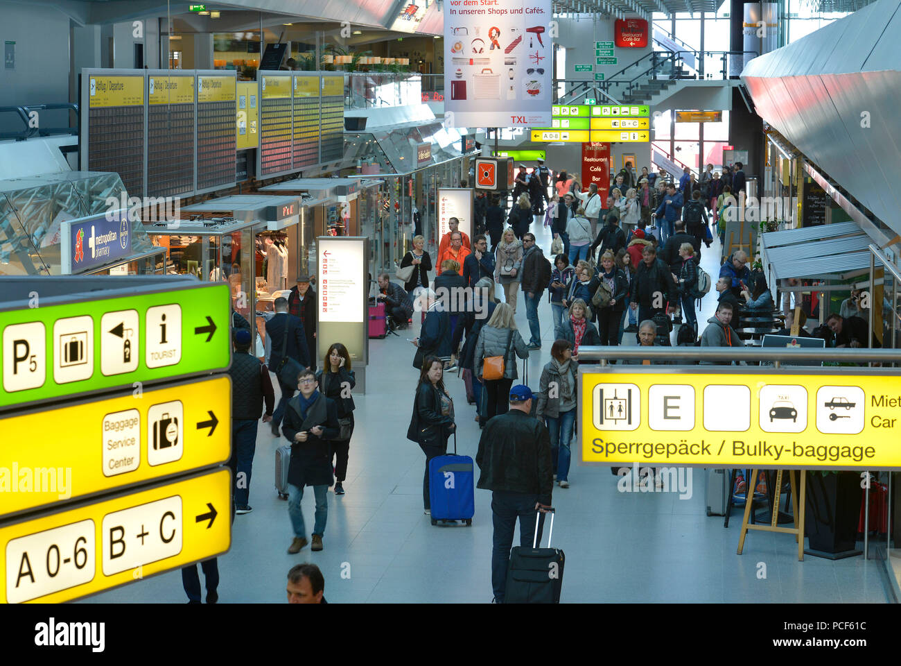 Flughafen Tegel Gate C Airport Berlin Tegel Terminal Stock Photos Airport Berlin Tegel