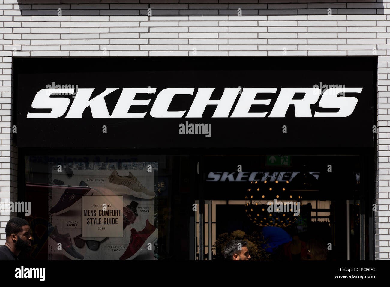 Drop Front Shoe Box Australia Skechers Shoes Stock Photos And Skechers Shoes Stock Images