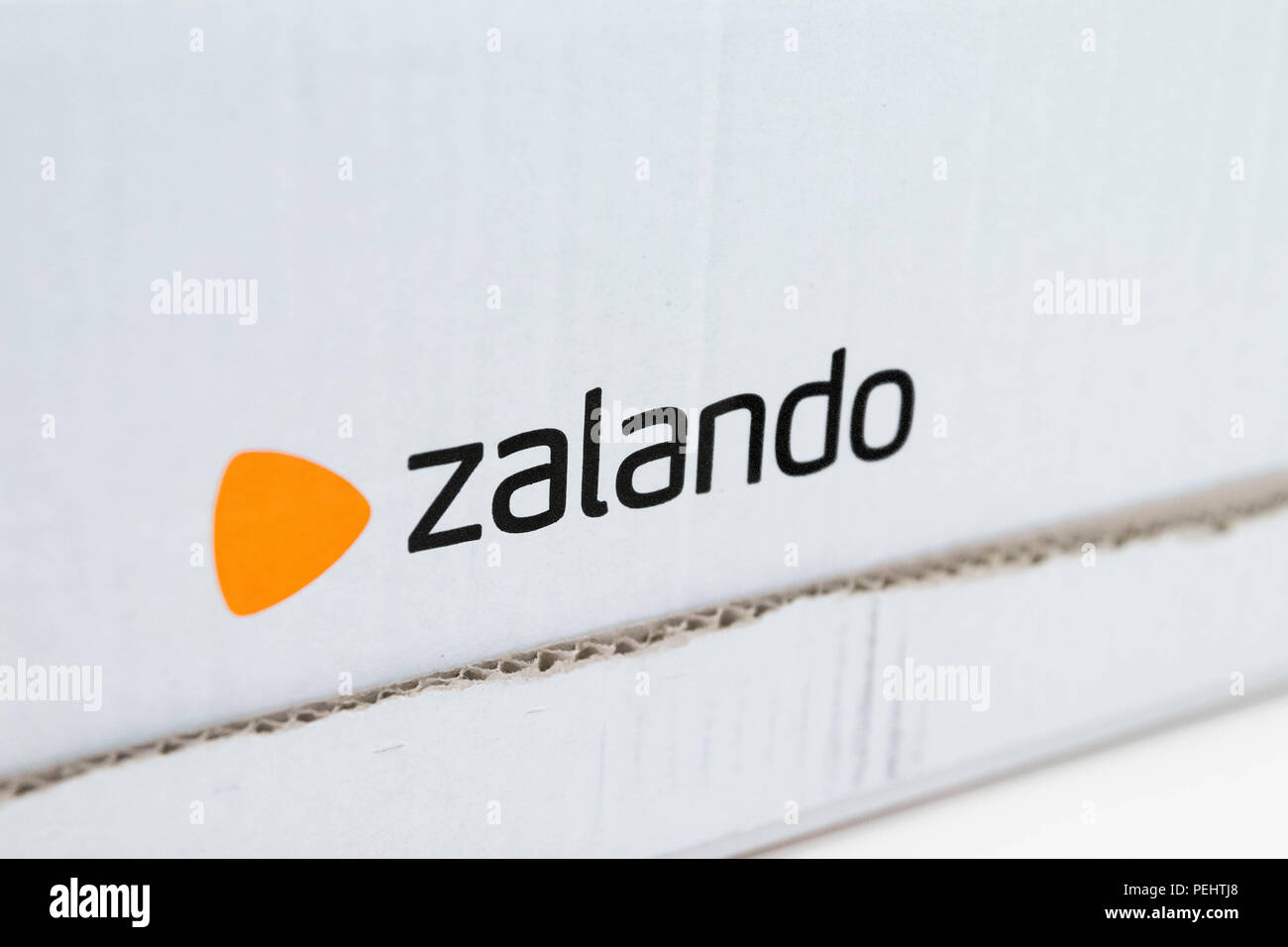 Zalando Online Bestellen Zalando Stock Photos Zalando Stock Images Alamy