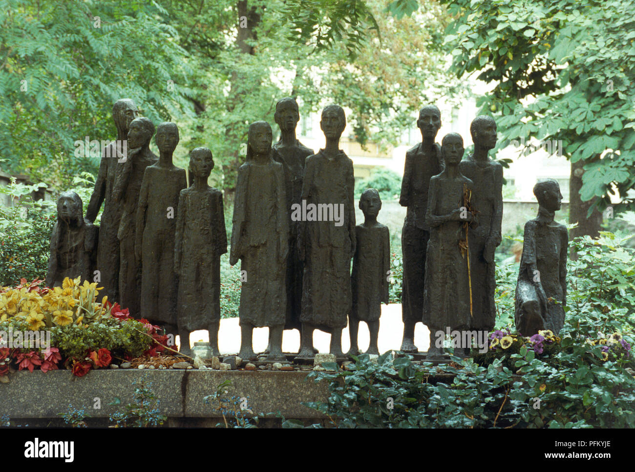 Germany Berlin Mitte Grosse Hamburger Strasse Gedenkstaette Grosse Hamburger Strasse Statues Erected In Commemoration Of Berlin Jews Murdered In The Holocaust Stock Photo Alamy