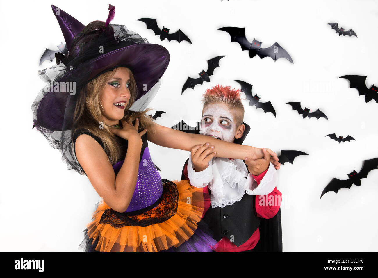 Halloween Kostuem Kinder Vampir Kids In Costumes Stock Photos Kids In Costumes Stock Images Alamy