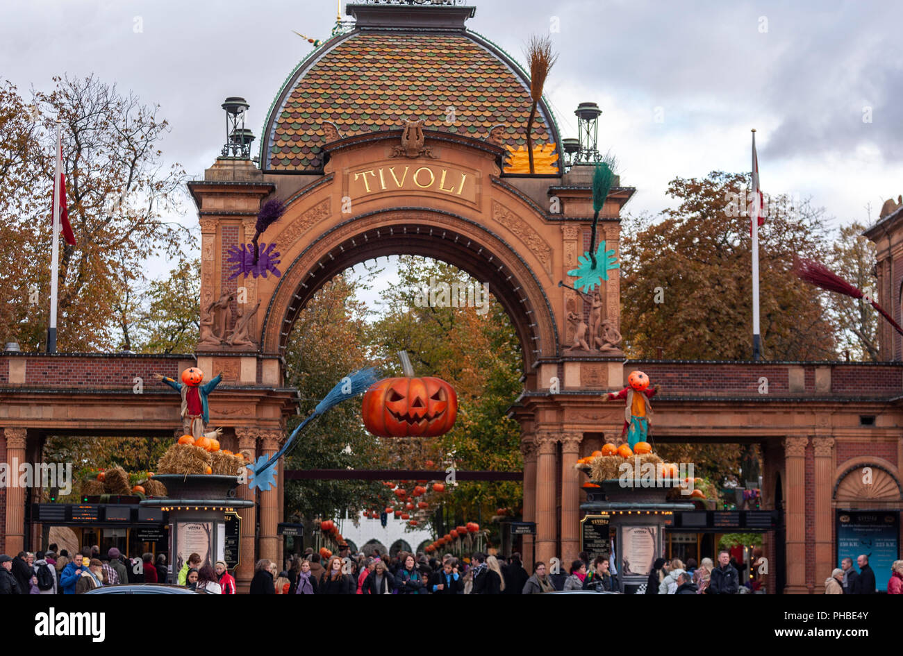 In The Tivoli Gardens High Resolution Stock Photography And Images Alamy
