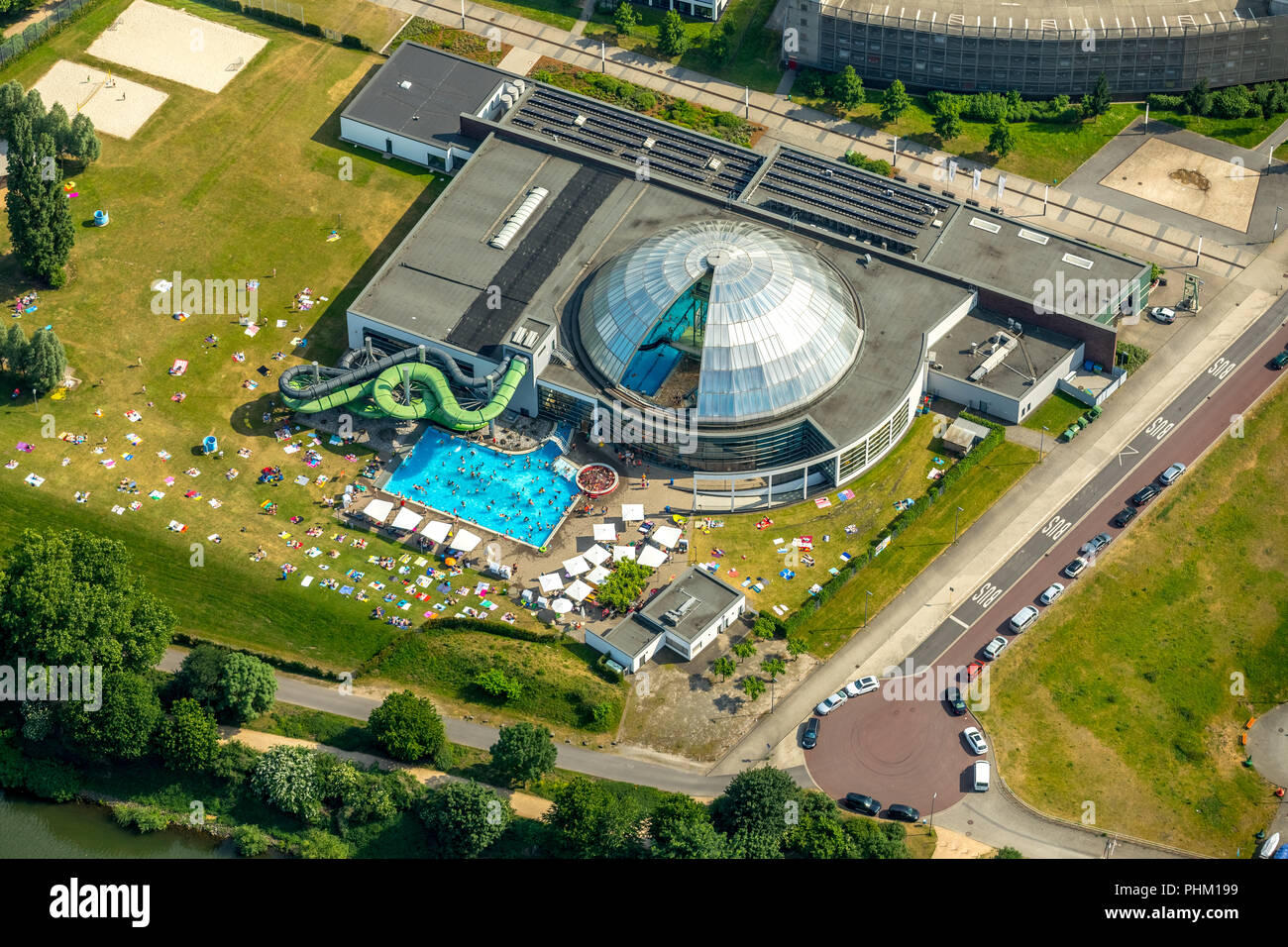 Schwimmbad Oberhausen Aquapark Oberhausen Gmbh High Resolution Stock Photography And Images - Alamy