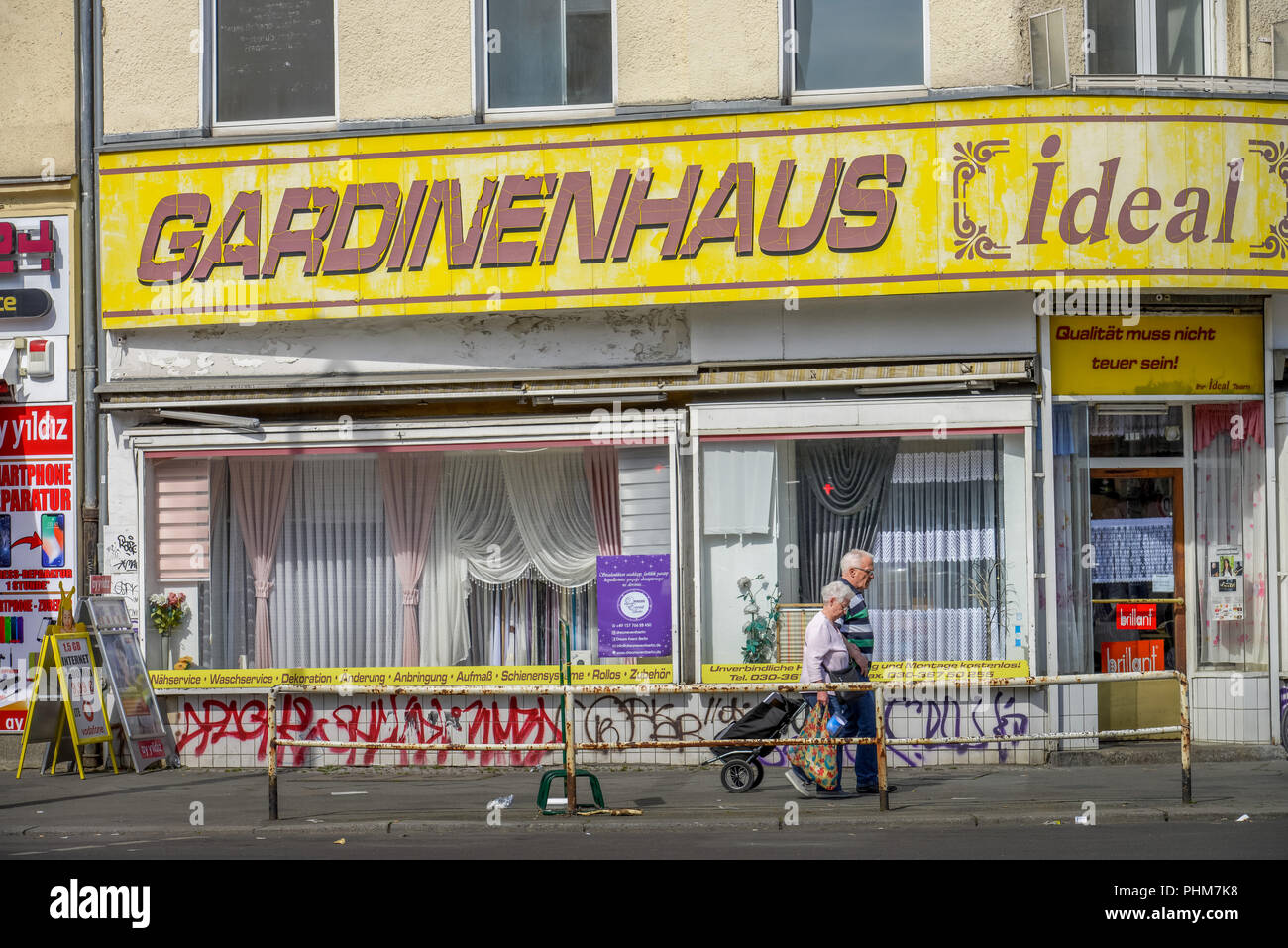 Gardine High Resolution Stock Photography And Images Alamy - Vorhang Laden Berlin