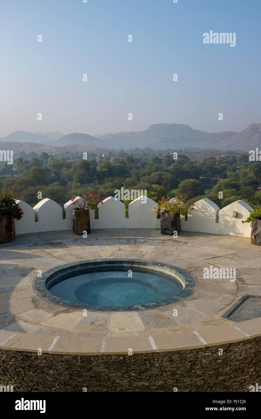 Jacuzzi Pool India Outdoor Hot Tub At The Raas Devigarh Boutique Hotel Overlooking