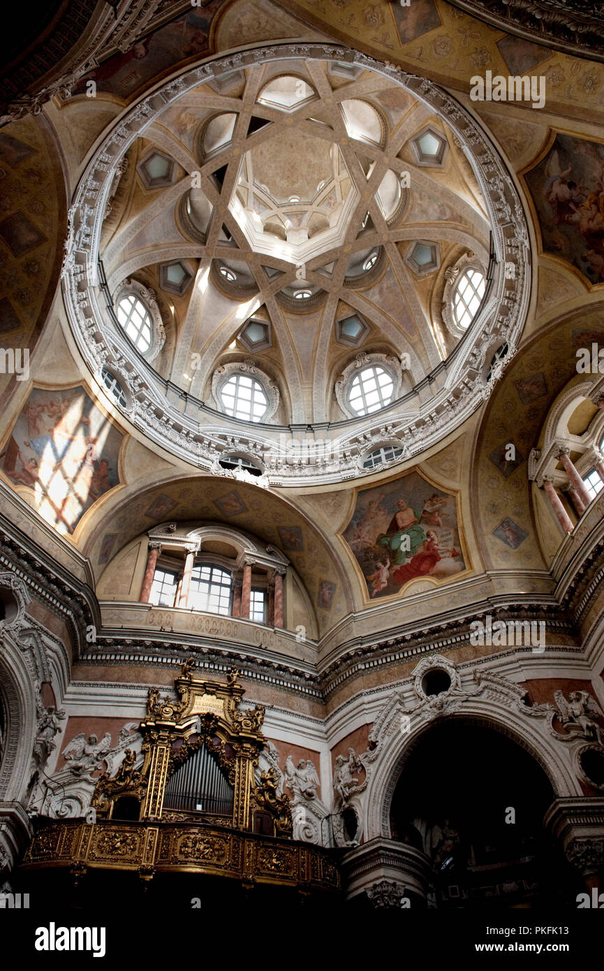 Barok Architectuur Interieur Inside The 17th Century San Lorenzo Church In Turin Italy 18 06