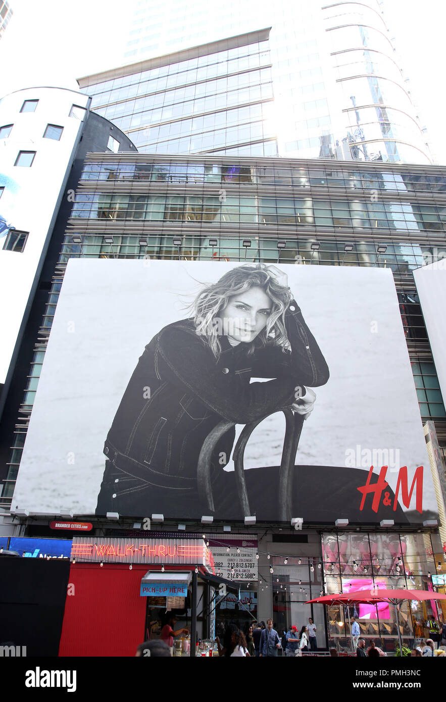 H&m Werbung H M Billboard Stock Photos H M Billboard Stock Images Alamy