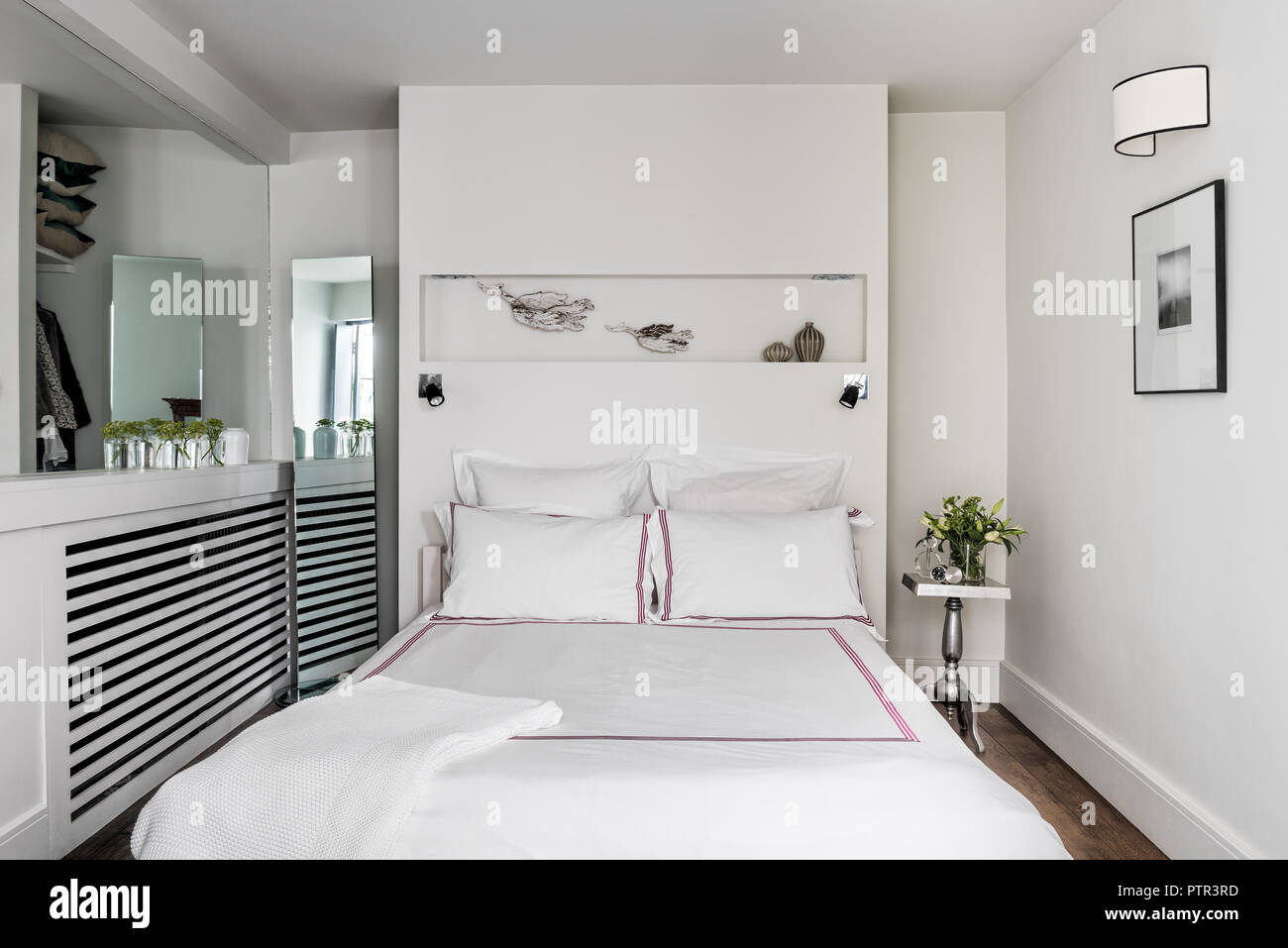 Length Of A Double Bed Full Length Mirror Stock Photos And Full Length Mirror Stock