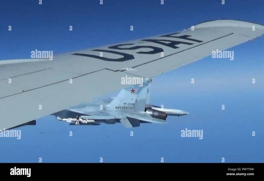 A U.S. RC-135U flying in international airspace over the Baltic Sea was intercepted by a Russian SU-27 Flanker June 19, 2017.