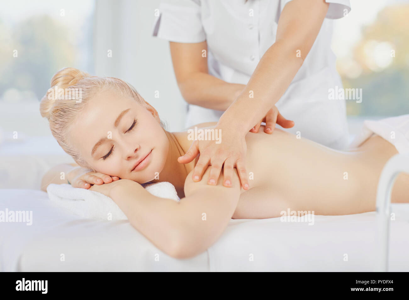 Salon Massage Body Body Body Massage Blond Woman In Spa Salon Doing Body Massage