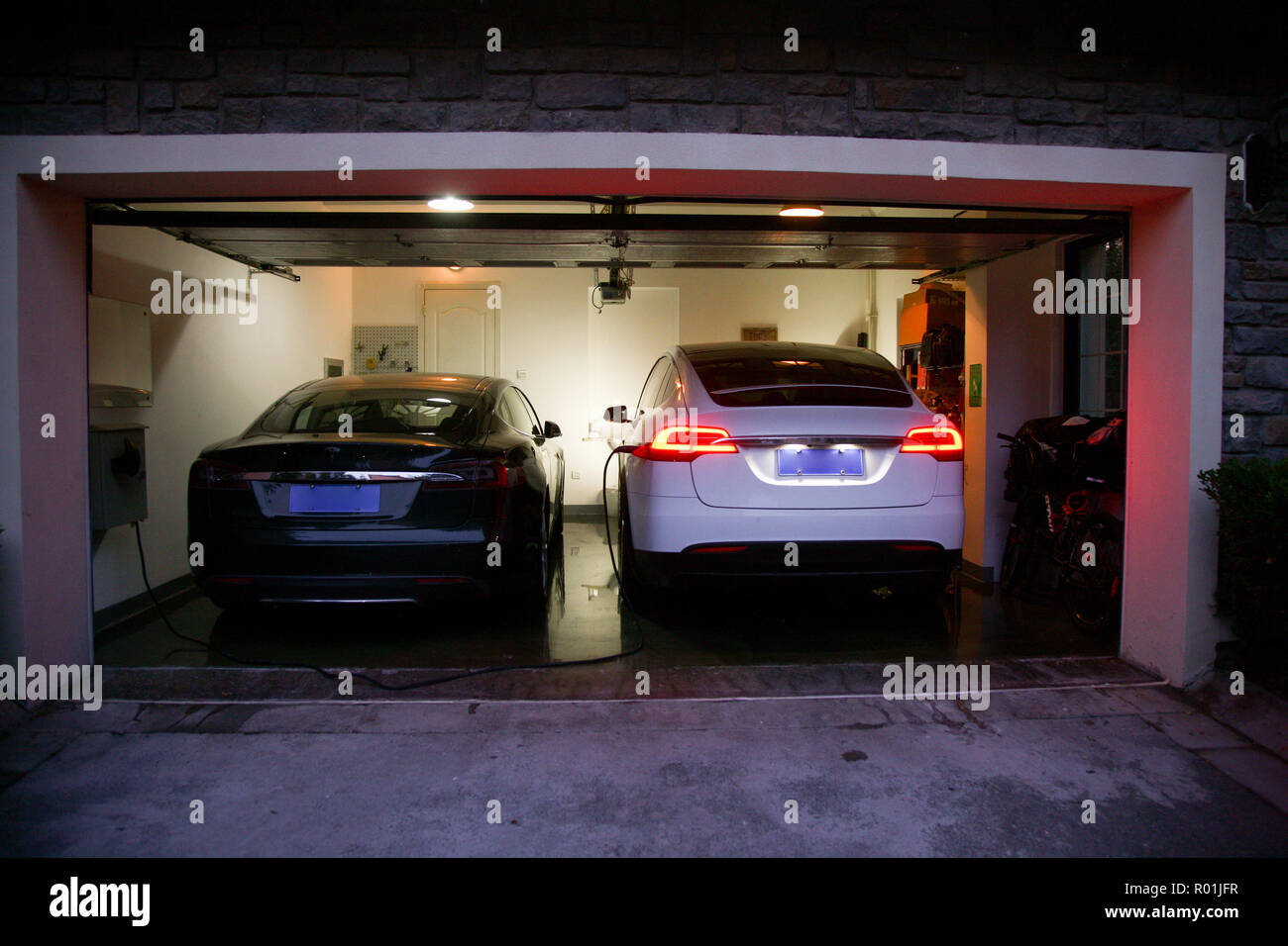 Garage Audi Lille Villa Garage Stock Photo 223771291 Alamy