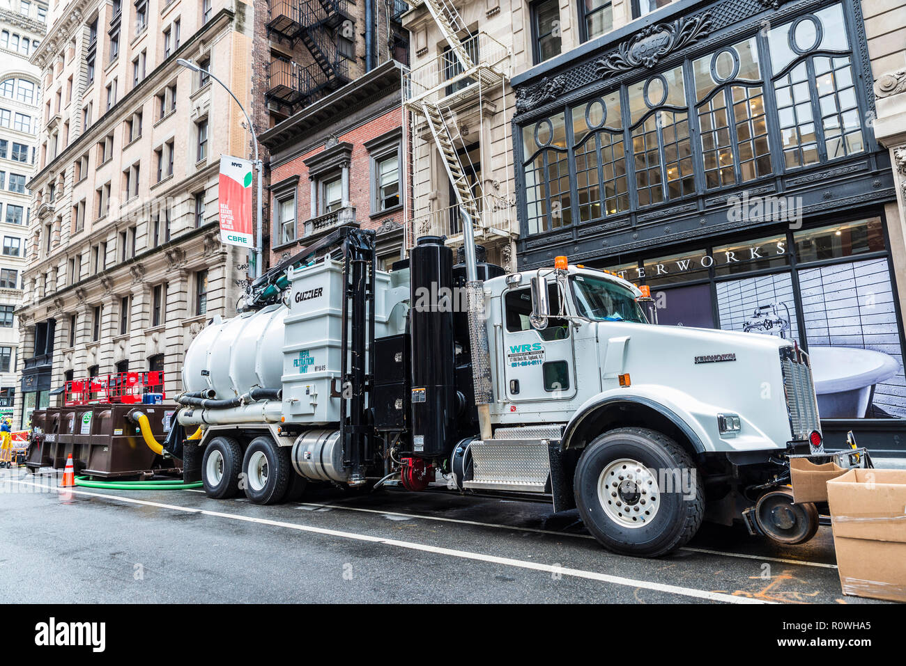 New York Industrial Works Fifth Wheel Truck Stock Photos And Fifth Wheel Truck Stock