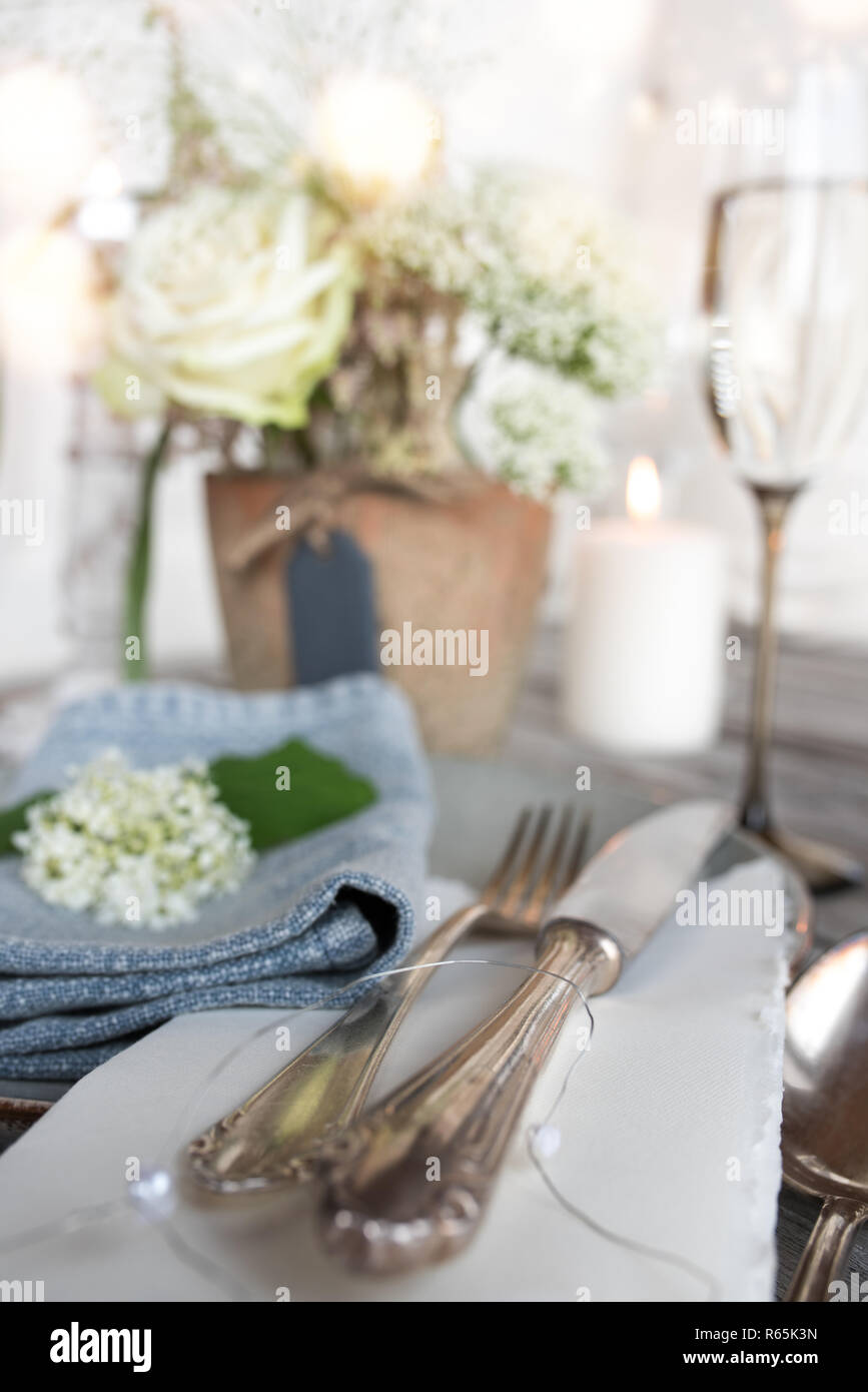 Gedeckter Tisch Vintage High Resolution Stock Photography And Images Alamy