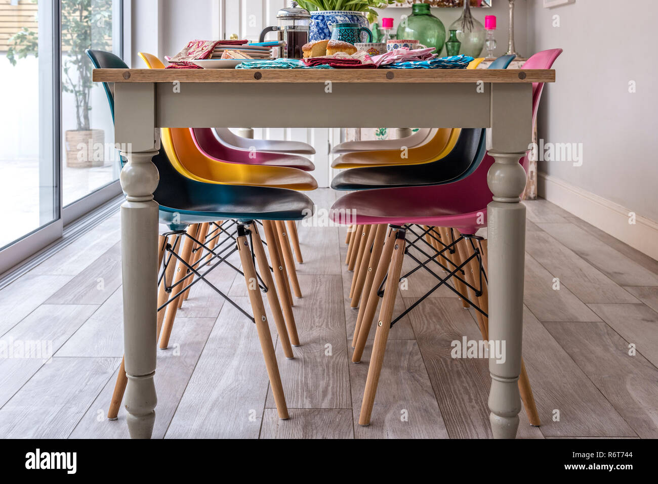 Sedia Wooden Eames Eames Chairs Stock Photos Eames Chairs Stock Images Alamy