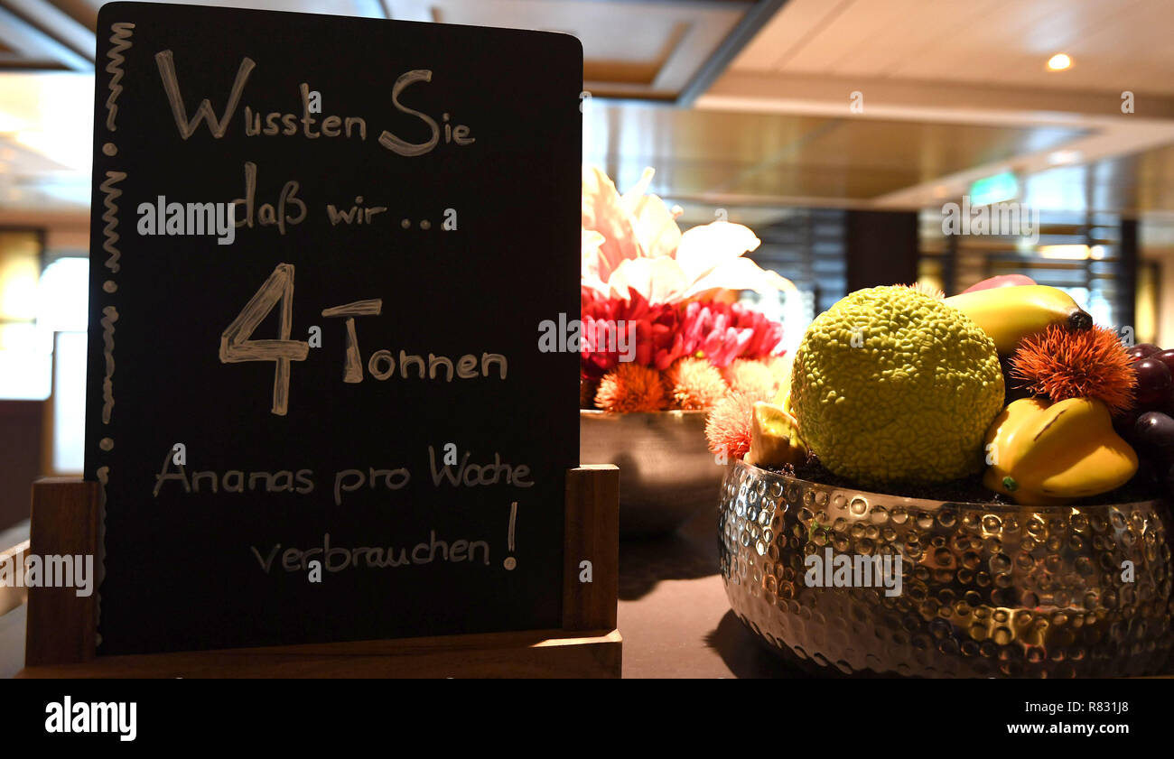 Sushi Bremerhaven Bremerhaven Germany 12th Dec 2018 The 4 Tons Of Pineapple