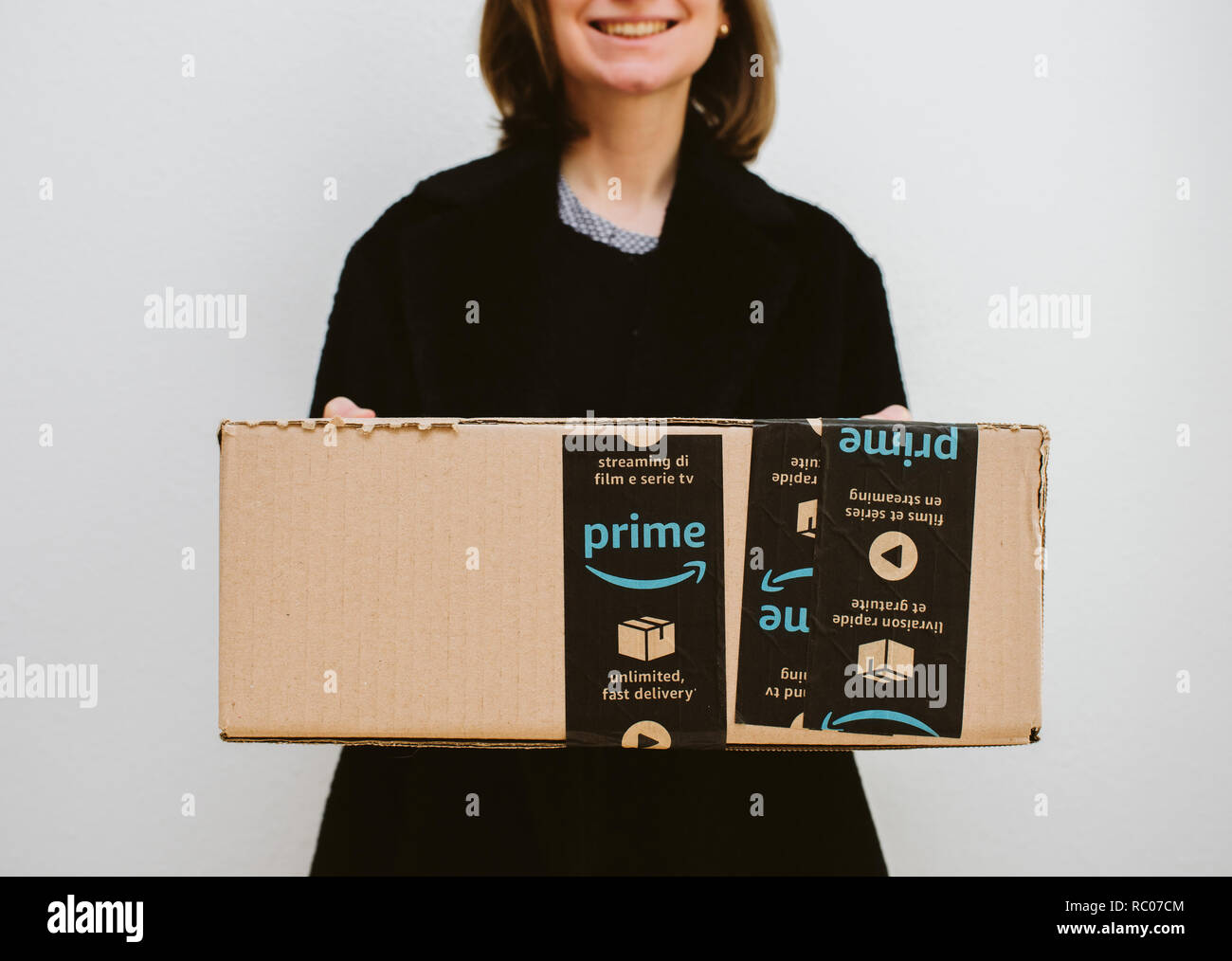 Amazon Usa Livraison France Amazon Shipping Box Stock Photos Amazon Shipping Box Stock