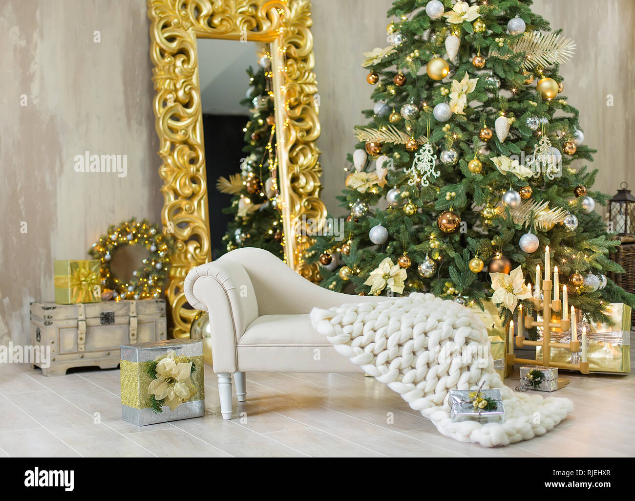 Huge Mirror Christmas Xmas Casual Gold Studio Decorations With Cute Girl And