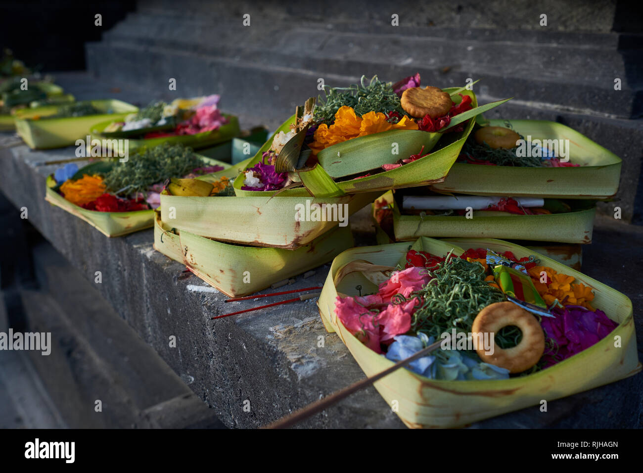 Stock Cuisine Saint Priest Religious Offerings At A Temple In Seminyak Bali Indonesia Stock