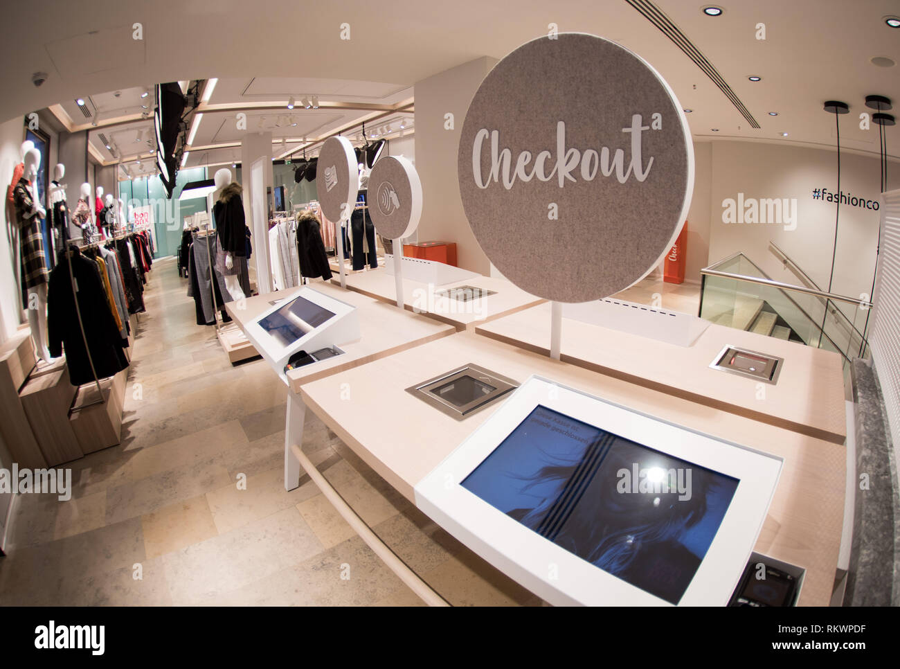 0tto Online Shop Hamburg Germany 04th Feb 2019 The Checkout Area For Individual