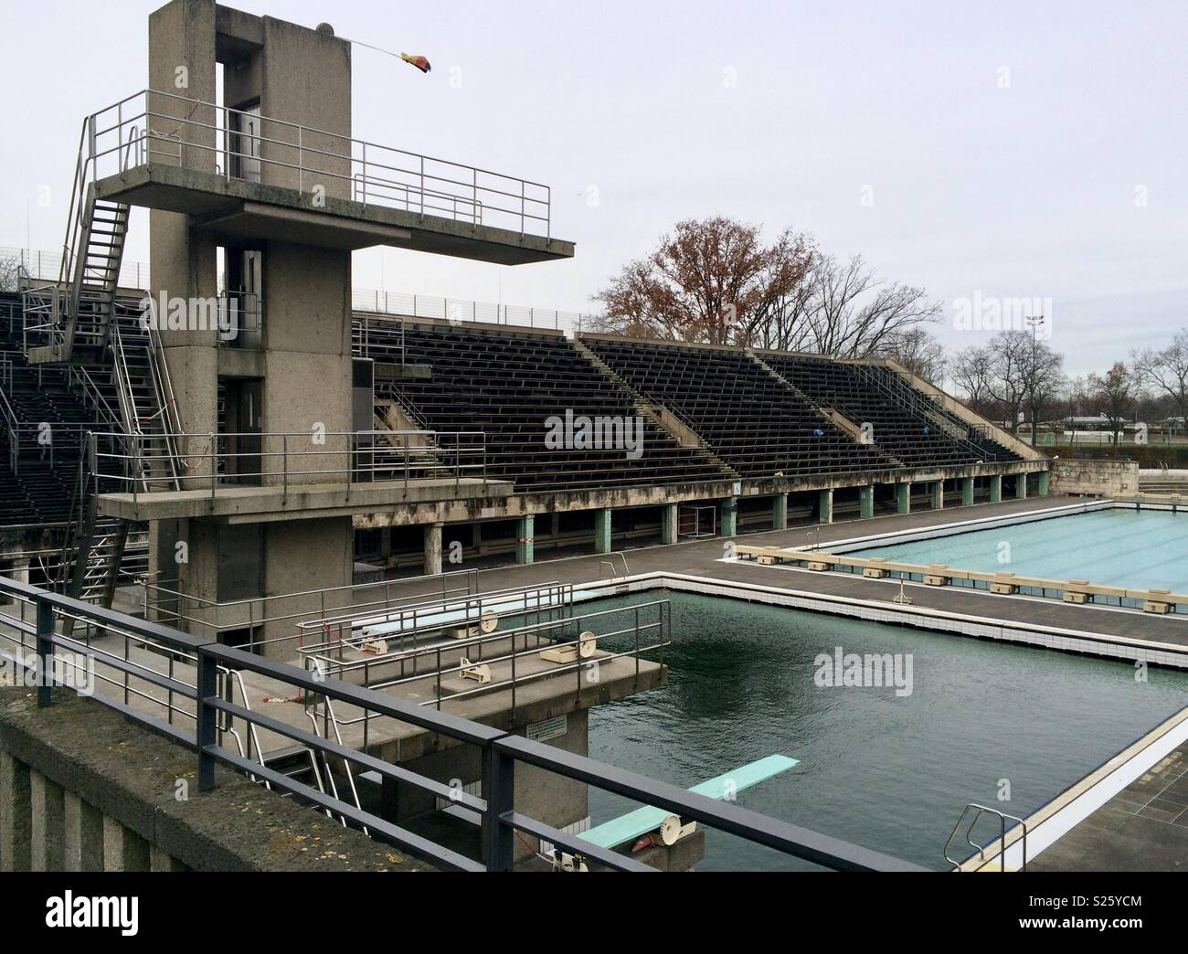 Swimmingpool Berlin Berlin Olympic Stadium Swimming Pool Stock Photo 311147220 Alamy
