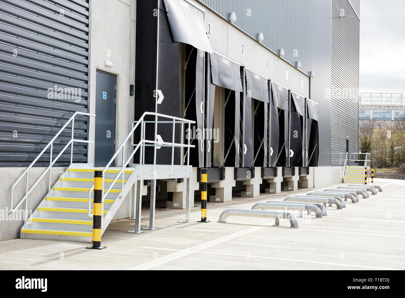 Centre Commercial Buld Air Distribution Centre Center Stock Photos Distribution Centre