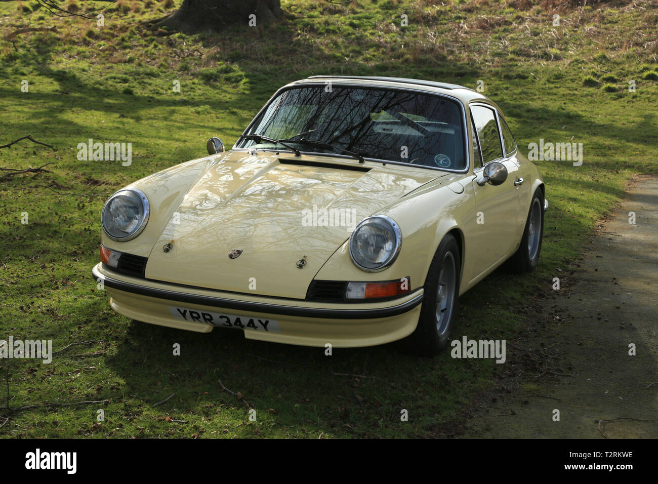 Garage Porsche Strasbourg Porsche 911 Parked In Car Stock Photos Porsche 911 Parked In Car