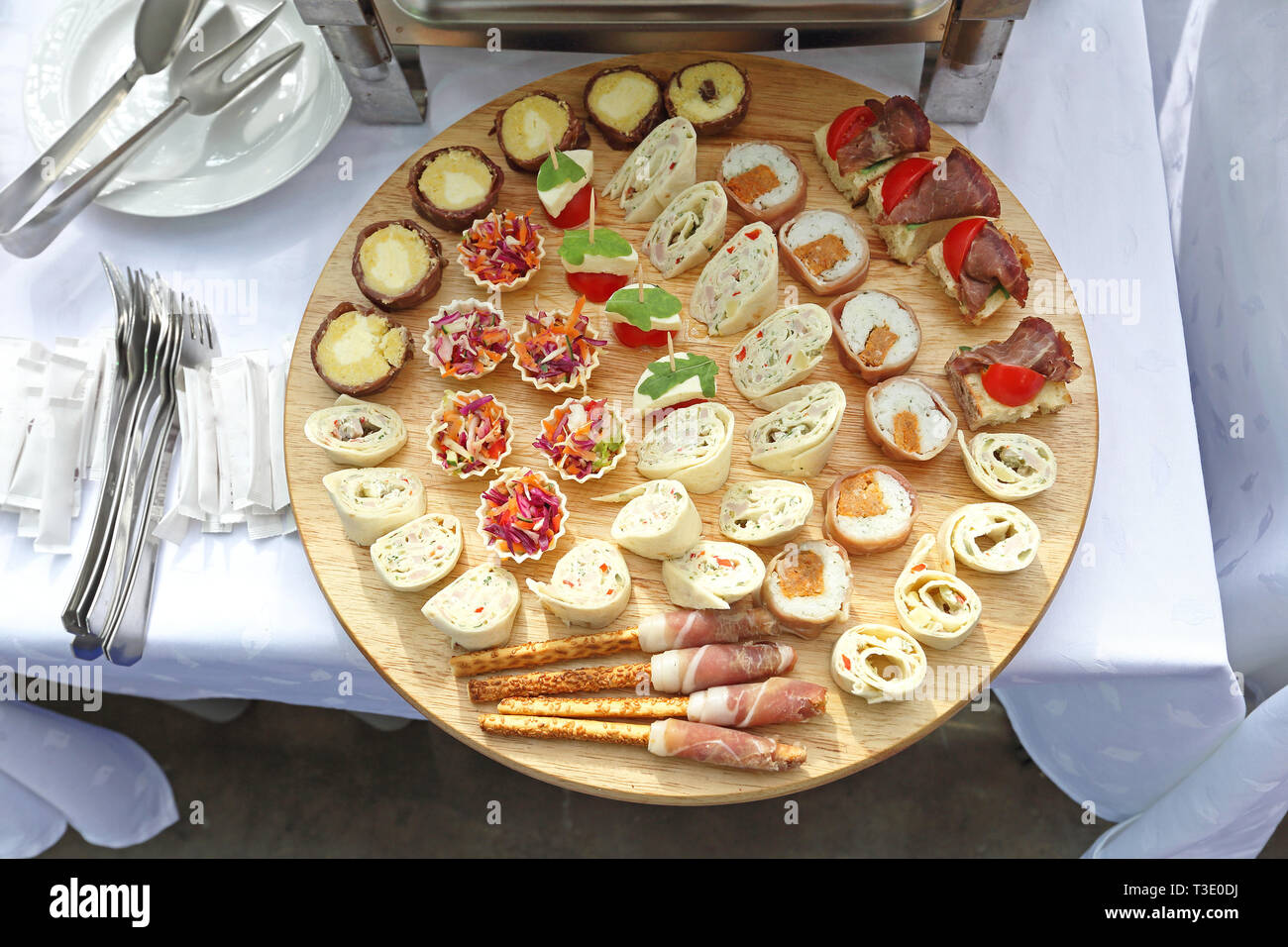 Canapés Wraps Small Sandwiches Canapes Stock Photos Small Sandwiches Canapes